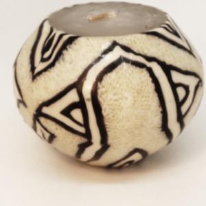 bougie artisanale petit bol au motif ethnique