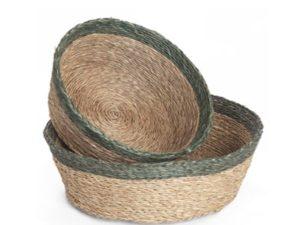 Panière ronde en fibre naturelle couleur tabac avec une bordure vert forêt