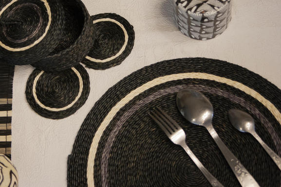 set table collection mono en lutindzi tress e fait main eco design eswatini souffle d 39 afrique
