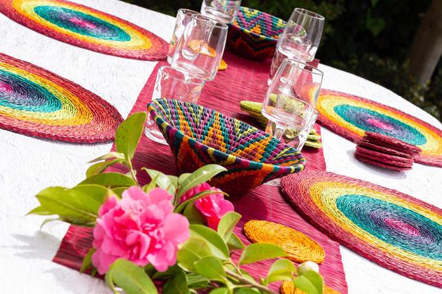 décoration de table avec sets de table et panière