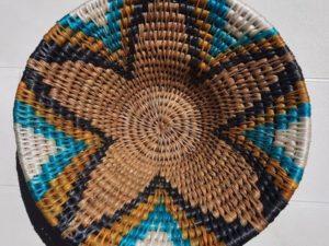 panière ronde faite main en fibre naturelle