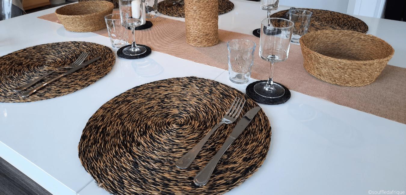 décoration de table avec des sets en matière naturelle